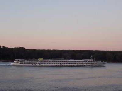 друг кораб по Дунав