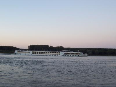 един кораб по Дунава